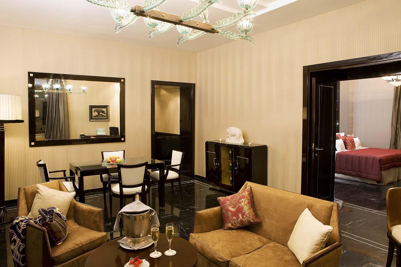 10_Regina_Hotel_Baglioni_Suite-4